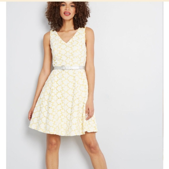 Modcloth Dresses & Skirts - NWT ModCloth Bliss in Attendance Yellow Lace Dress